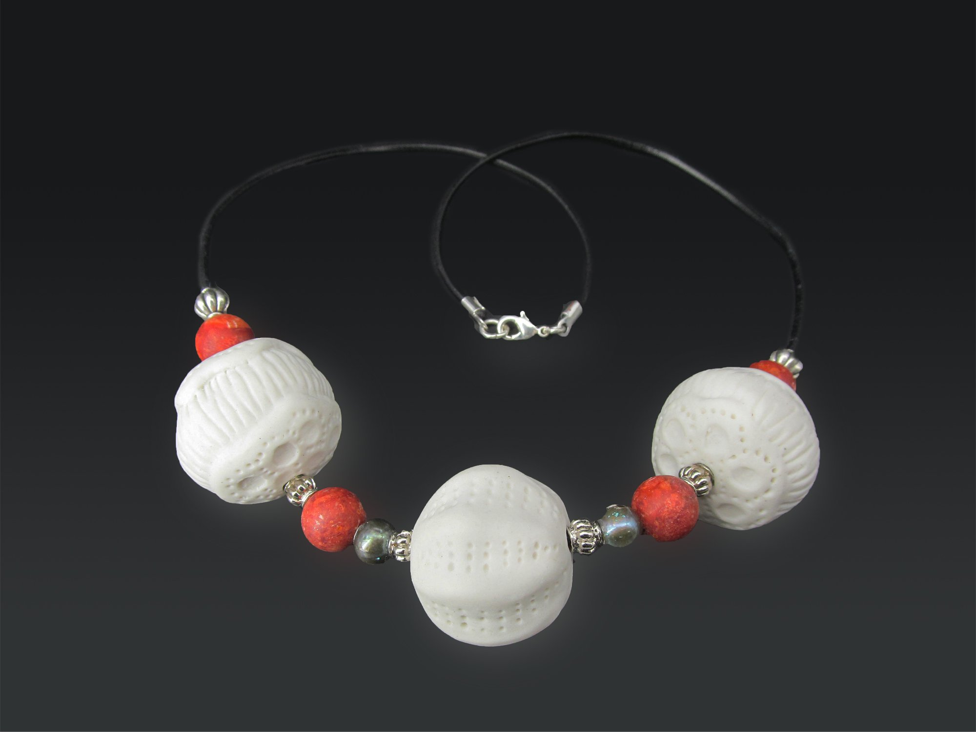 red-round-coral-necklace-02-IMG_1236